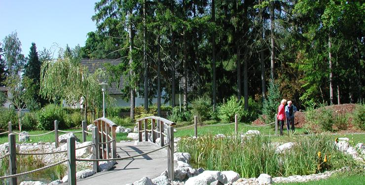 Pflegeheim_Feuerbach_Garten_Bereich